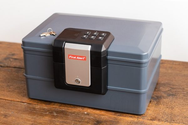 how to pick a small safe_3